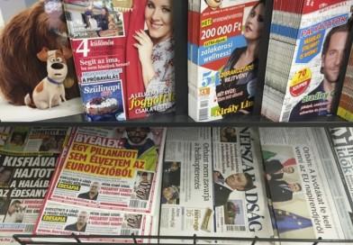 Zrušený Népszabadság predávajú bezdomovci, zinkasujú zisk