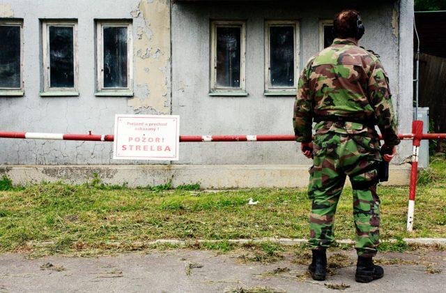 Vojenskou akadémiou vo Vyškove otriasla explózia, spôsobili ju zrejme granáty