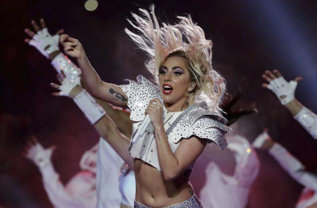 Lady Gaga odložila európsku časť svetového turné
