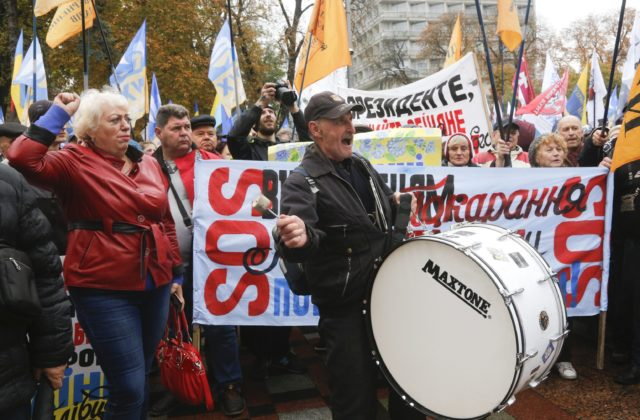 Ukrajinci protestovali za viac demokracie a menej korupcie, vystúpil aj Saakašvili