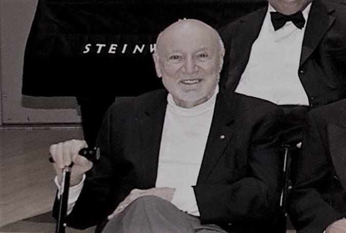 Zomrel významný džezový producent George Avakian, ktorý spolupracoval aj s Louisom Armstrongom