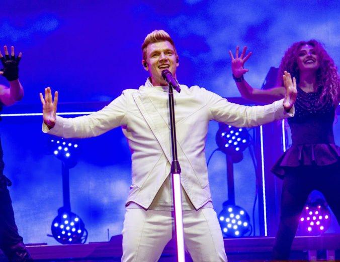 Speváka Nicka Cartera z Backstreet Boys obviňujú zo znásilnenia