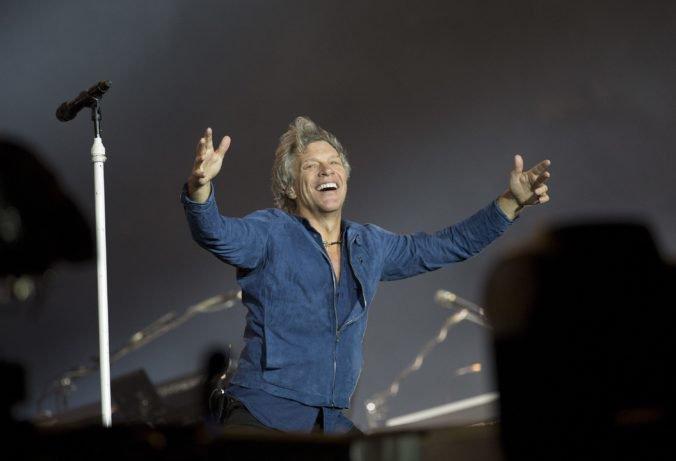 Jon Bon Jovi by si počas uvedenia do siene slávy rád zahral s bývalými členmi skupiny