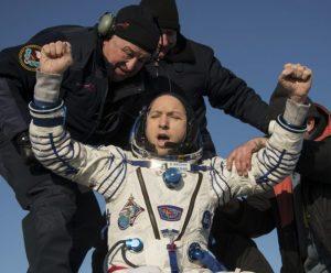 Astronauti sa vrátili z Medzinárodnej vesmírnej stanice, pristáli v Kazachstane