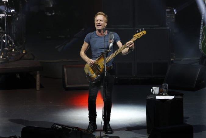 Fanúšikovia si budú môcť so Stingom zaspievať na hrade jeho najväčšie hity