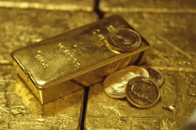 Ceny ropy sa vyvíjali zmiešane, zlato aj striebro zdraželi