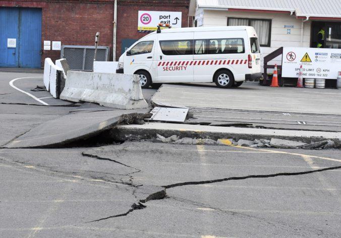 Indonéziu postihlo silné zemetrasenie, hlásia obete a zrútené budovy v hlavnom meste