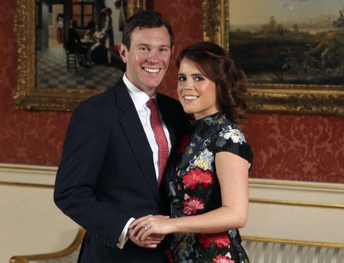 Vnučka kráľovnej Alžbety II. sa vydá za svojho dlhoročného priateľa Jacka Brooksbanka