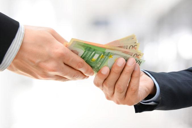 Vo firme Embraco podpísali kolektívnu zmluvu, vedenie odkleplo 13. a 14. plat a množstvo bonusov