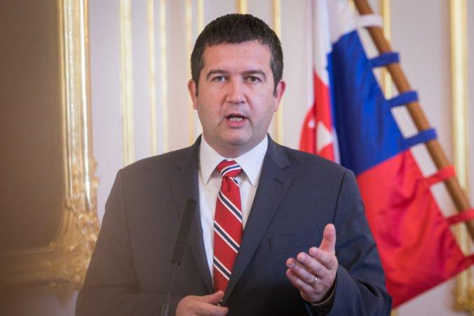 Hamáček je novým predsedom ČSSD, je ochotný rokovať o vláde s hnutím Babiša