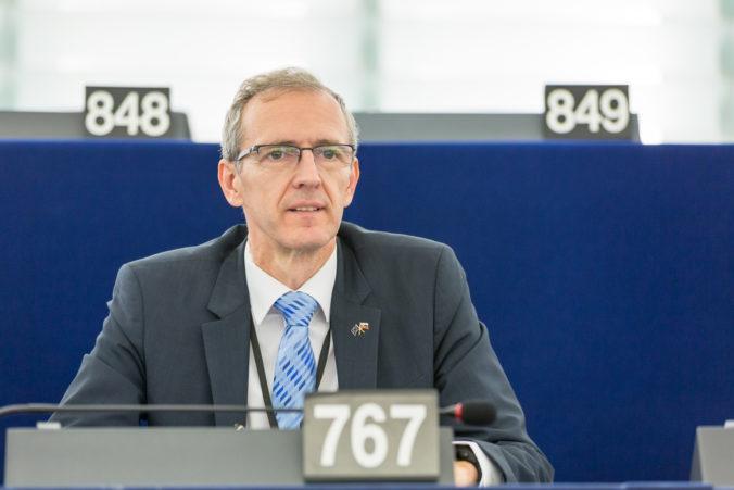 Kvóty utečencov rozdeľujú europoslancov, podľa Štefanca sa zhodli v iných riešeniach migrácie