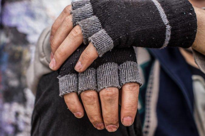 Neziskovky dali ľudí bez domova zaočkovať a žiadajú štát o dostupnú zdravotnú starostlivosť