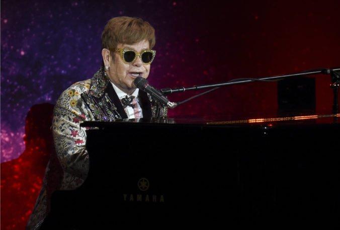 Coververzie Eltona Johna si zaspievajú aj Ed Sheeran a Miley Cyrus