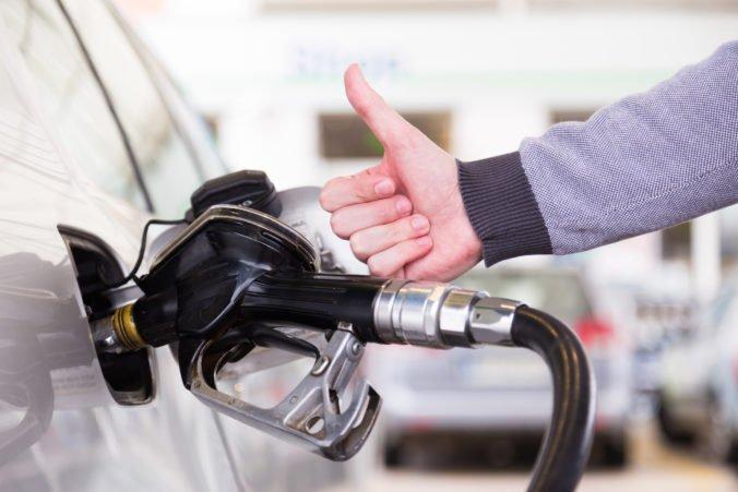Ceny benzínov a motorovej nafty na Slovensku klesli už druhý týždeň po sebe