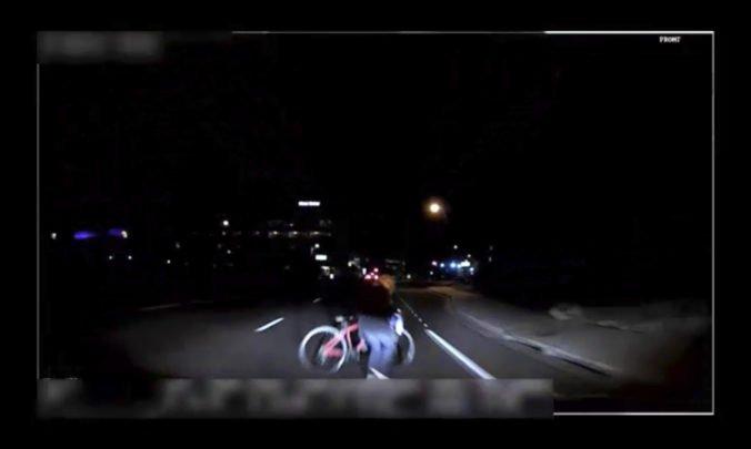 Experti v USA stále nezistili, prečo auto bez šoféra zrazilo ženu