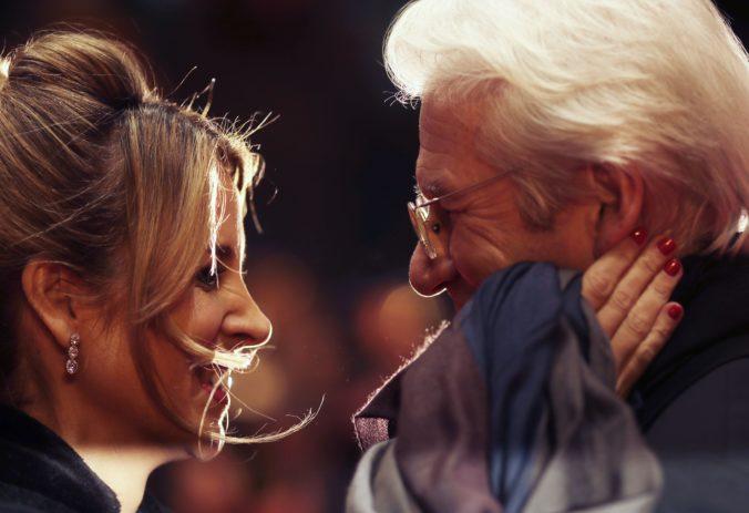 Herec Richard Gere sa tretíkrát oženil, jeho vyvolenou je podnikateľka a aktivistka Alejandra