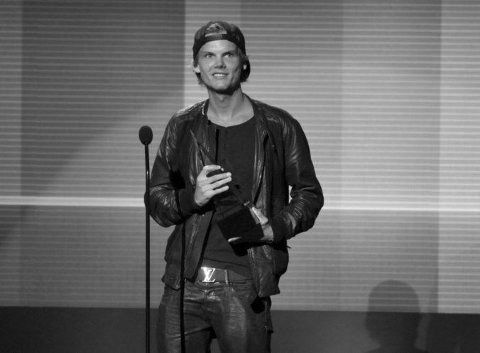 Vo veku 28 rokov zomrel DJ a producent Avicii, za svoju tvorbu získal mnoho hudobných ocenení