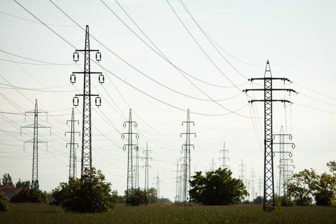 Slovenská elektrizačná prenosová sústava chce investovať milióny eur nielen do nových rozvodní
