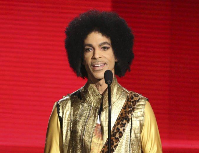 Spevák Prince pravdepodobne nevedel o falošnom lieku, prokurátori nevznesú obvinenie
