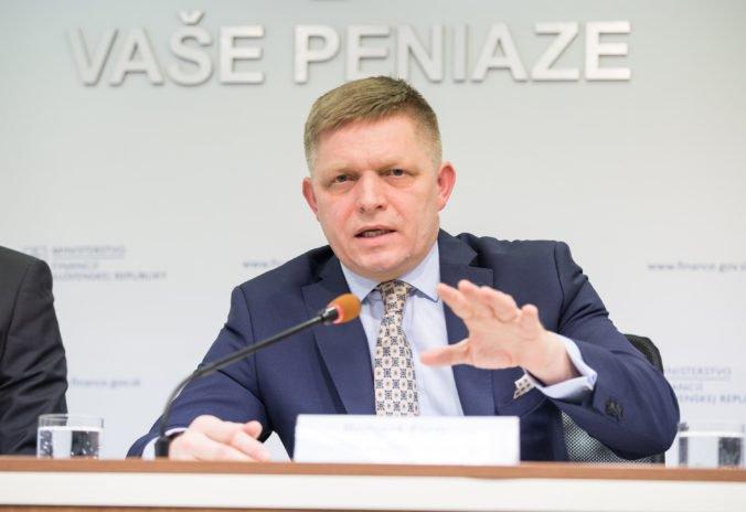 Fico deklaroval zvyšovanie platov, vyzdvihol vládu za konsolidáciu financií a sociálne cítenie