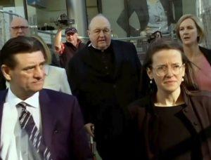 Arcibiskup Wilson odstúpi z funkcie, súd ho uznal vinným z krytia sexuálneho zneužívania detí