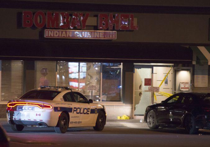Dvaja muži odpálili bombu v indickej reštaurácii v Kanade, zranených je viac ako desať ľudí