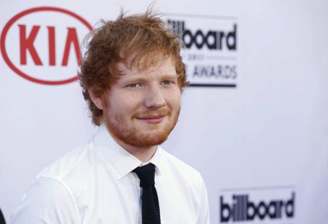 Zamestnancov nemocnice potrestali po nahliadnutí do osobných záznamov speváka Eda Sheerana