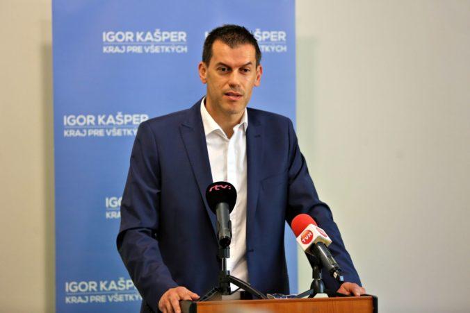Krajského poslanca Kašpera vydiera hacker, prevzal kontrolu nad jeho emailom a žiada peniaze