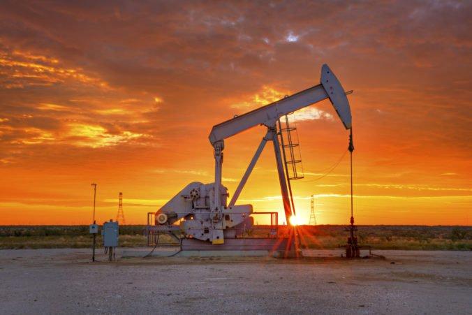 Ceny ropy si pohoršili, benzín na americkom trhu stúpol o jedno percento