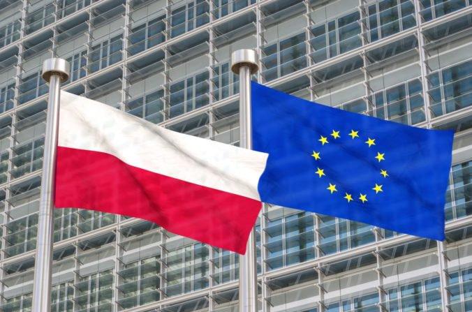 Európska komisia stupňuje tlak na Poľsko, má mesiac na zmeny v zákone o najvyššom súde.