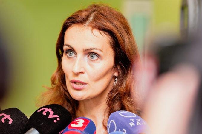 Lekárske odbory žiadajú Kalavskú, aby ministerstvo vyšetrilo kauzu čakacích listín