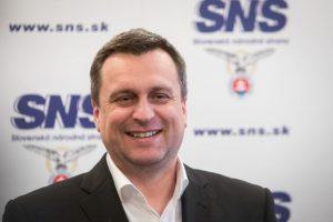 SNS navrhuje zmeny pre politické strany, z ich názvov majú aj zmiznúť Kollár či Kotleba