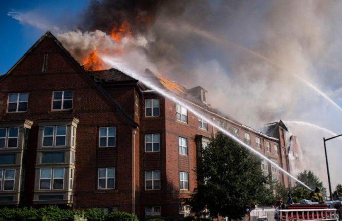 Video: Päť dní po požiari našli v domove pre seniorov vo Washingtone živého dôchodcu