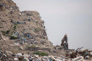 Sólymos dá preveriť nelegálnu skládku v Podunajských Biskupiciach a jej vplyv na podzemnú vodu