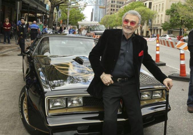 V Las Vegas budú dražiť kolekciu filmových áut zosnulého herca Burta Reynoldsa