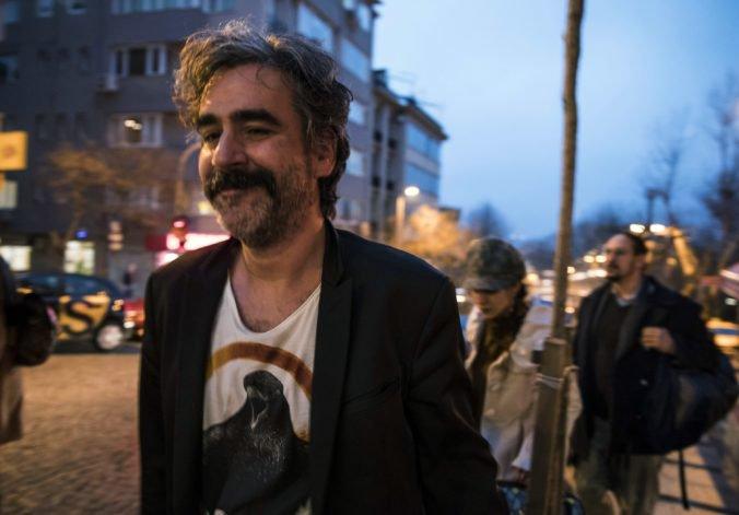 Turecký súd zamietol žiadosť novinára o finančnú kompenzáciu za väzenie pre údajnú propagandu