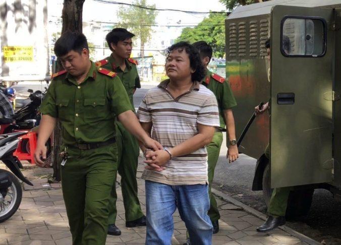 Vo Vietname odsúdili už tretieho aktivistu, podľa súdu urážal na Facebooku komunistickú stranu