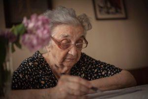 Košičan svojej babke prisľúbil pomoc pri predaji majetku, nakoniec ju obral obývanie