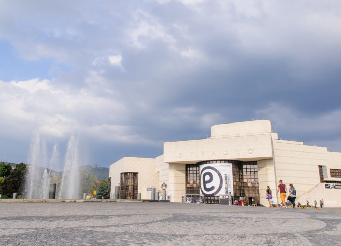 Divadlo Andreja Bagara v Nitre pripravuje komédiu Dámsky krajčír od francúzskeho autora