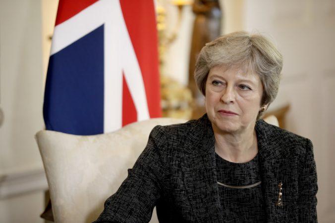 Premiérka Mayová zvažuje návrh EÚ o dlhšom prechodovom období po brexite