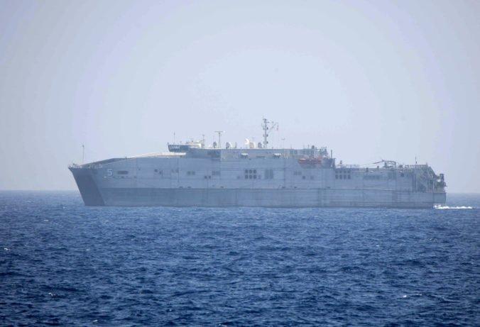 Nemeckej lodi zachraňujúcej utečencov povolili opustiť Vallettu