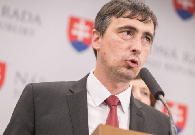 V Žilinskom kraji chýba základná diaľničná infraštruktúra, hovorí OĽaNO