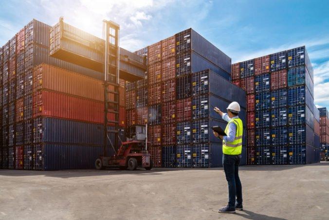 Slovenskí colníci budú osobne kontrolovať každý kontajner s tovarom z Ázie