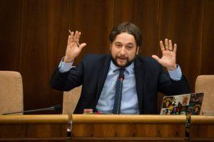 Pellegrini hovoril na výbore o možnom tvrdom brexite, Blahu zaujímal vplyv na Slovákov v Británii