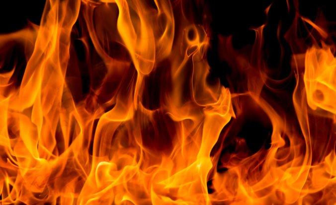 Hasiči zasahovali pri požiari Zámku Kunerad, museli demontovať dva komíny