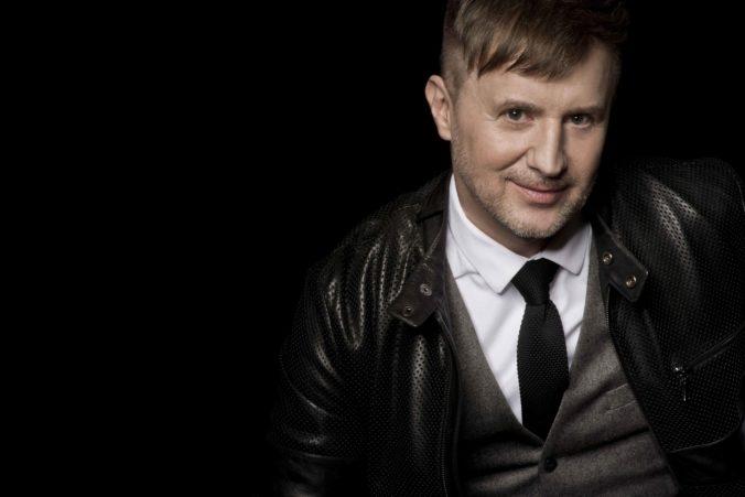 Spevák Petr Kotvald vydáva nový singel Svátost lásky
