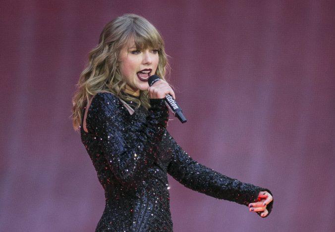 Speváčka Taylor Swift sa prestala vyhýbať politike, jej príspevok na Instagrame má státisíce lajkov
