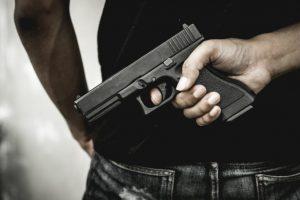 Čerpaciu stanicu v Šuranoch vykradli, páchateľ žiadal od pracovníčky peniaze a cigarety