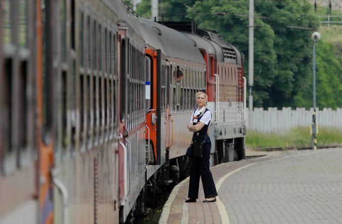 ***Železniční dopravcovia majú problémy – chýbajú im rušňovodiči***