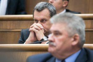"""Komisia potrebuje na preskúmanie Dankovej """"rigorózky"""" čas, dekan UMB pozná meno oponenta"""